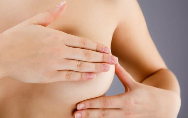 Proponen dar día laboral a mujeres trabajadoras para mastografía - Revisión personal contra el cáncer de mama. Foto de Internet