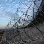 Autoridades de EE.UU. cierran cauce del río Tijuana por migrantes - Foto de AFP