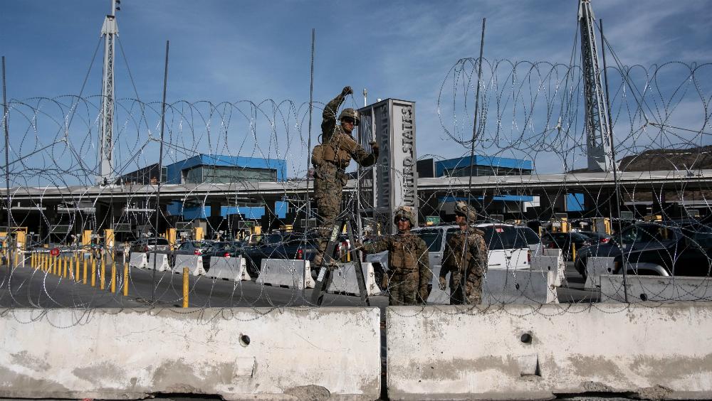 Instalan soldados de EE.UU. protección en garitas de Otay Mesa y San Ysidro - Foto de AFP