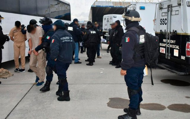 Trasladan a 89 reos del Estado de México a penales federales - Foto de @SS_Edomex