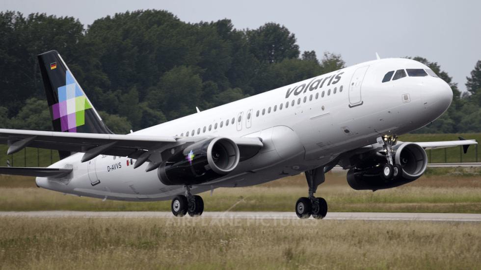 Desalojan vuelo de Volaris en el AICM