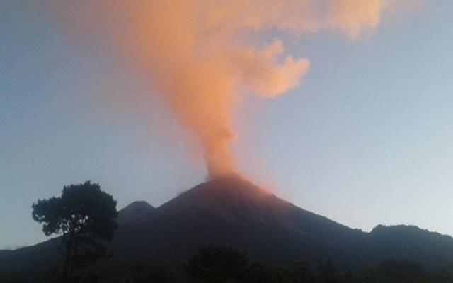 Volcán de Fuego de Guatemala aumenta su fase eruptiva - Volcán de Fuego de Guatemala. Foto de @insivumehgt