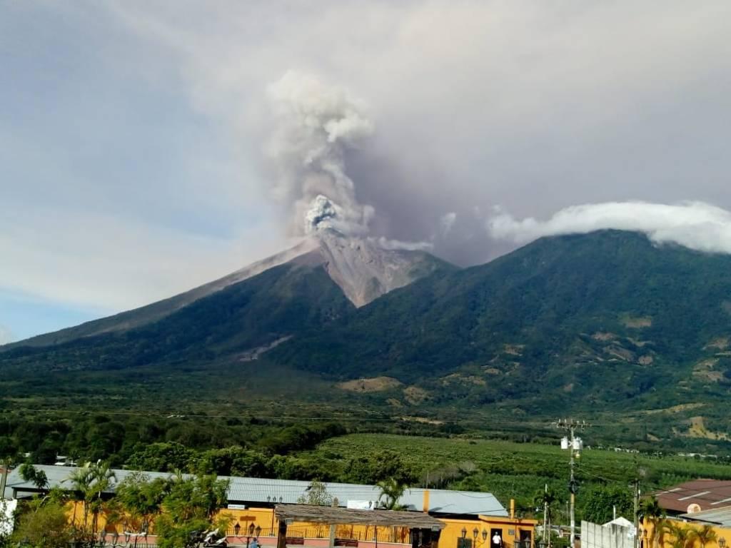 Chiapas mantiene vigilancia por posible caída de ceniza del Volcán de Fuego. Noticias en tiempo real