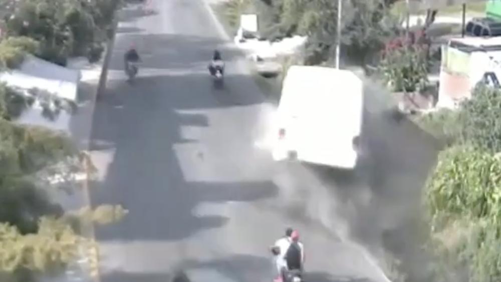 #Video Unidad de transporte público se accidenta en Edomex. Noticias en tiempo real