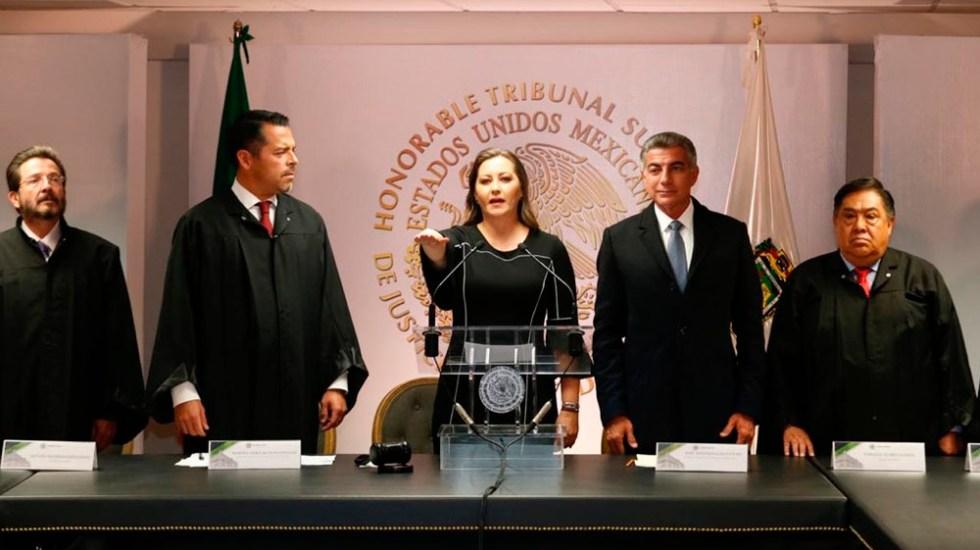 Martha Erika Alonso rinde protesta como gobernadora de Puebla - Foto de @MarthaErikaA