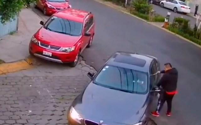 #Video Hombre intenta asaltar a dos automovilistas en menos de una hora - Captura de pantalla