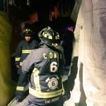 Anciana muere calcinada en Santa María la Ribera - Bomberos atendiendo incendio en Santa María la Ribera. Foto de @israellorenzana