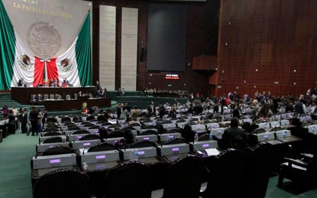 Diputados pretenden bajar sueldo a trabajadores de limpieza - Foto de Notimex
