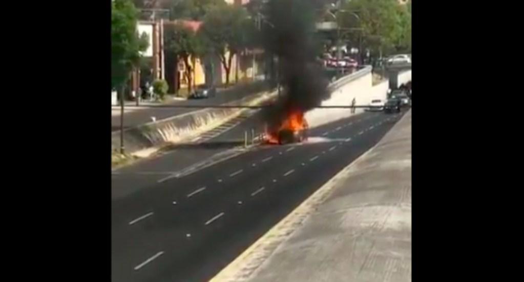 Se incendia automóvil en Viaducto Miguel Alemán - incendio automóvil miguel alemán