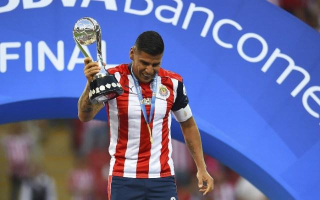 Carlos Salcido no seguirá con Chivas - Foto de Mexsport