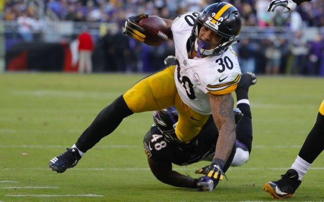 Pittsburgh podría contar con Conner para el último juego de la temporada - James Conner