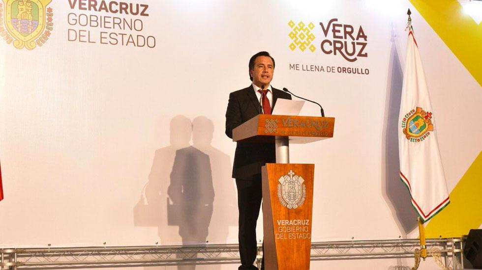 Cuitláhuac García asume la gubernatura de Veracruz - Cuitláhuac García asume la gubernatura de Veracruz