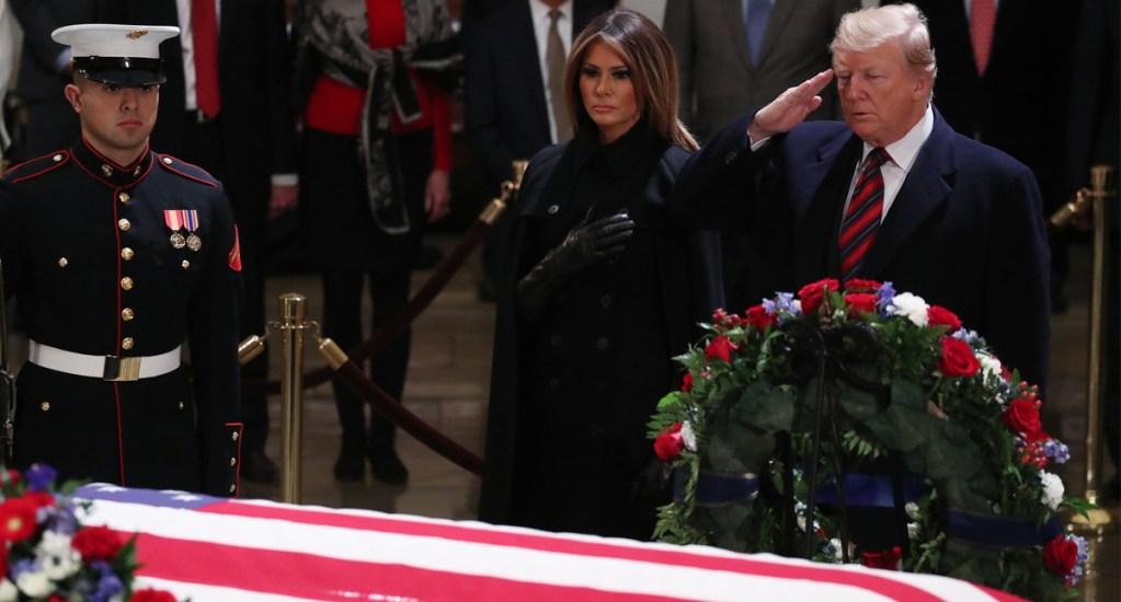 Donald Trump asiste al Capitolio a homenaje de George H. W. Bush - Foto de AFP