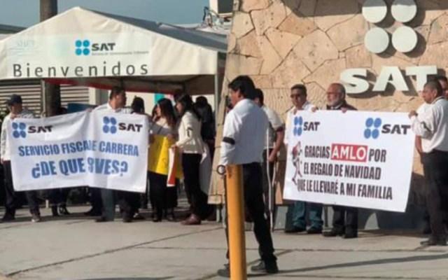 Protestan ex empleados del SAT por despidos en todo el país - protestas ex empleados sat