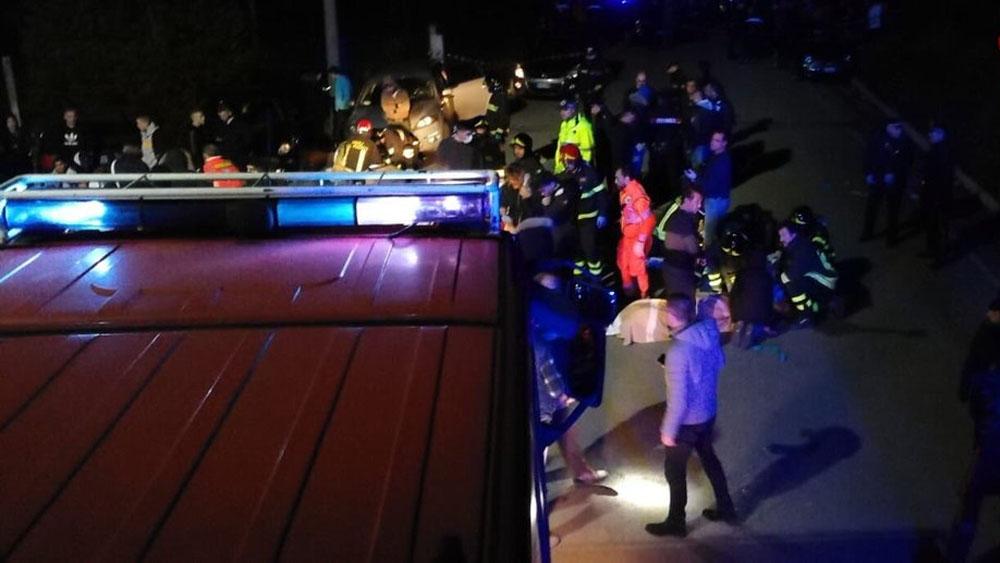 Detienen a tres implicados en estampida en club nocturno de Italia - Foto de @emergenzavvf