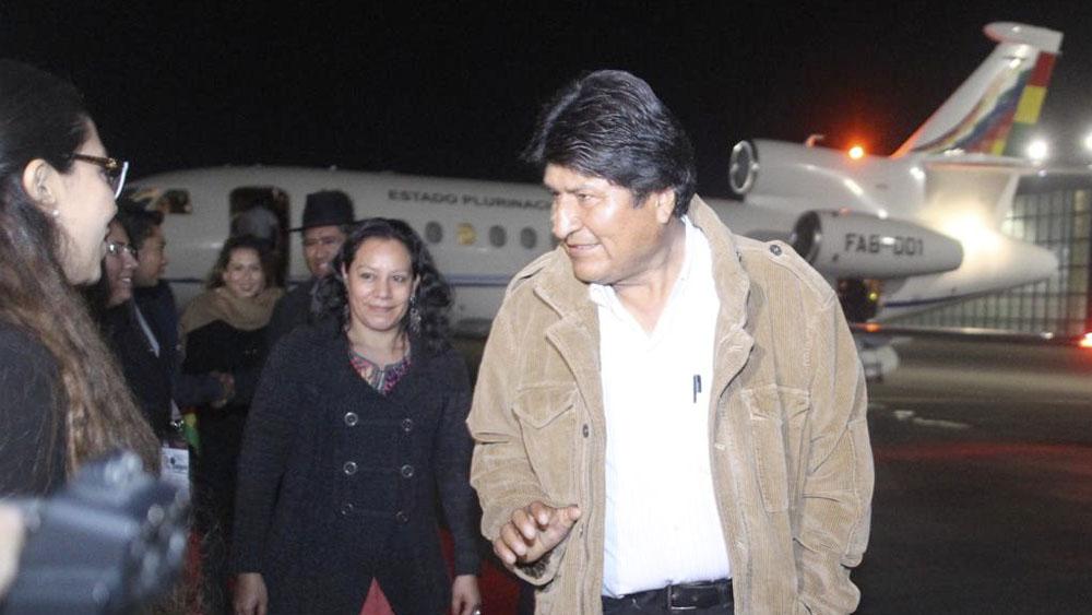 Evo denuncia que EE.UU. chantajea a Bolivia con fines electorales