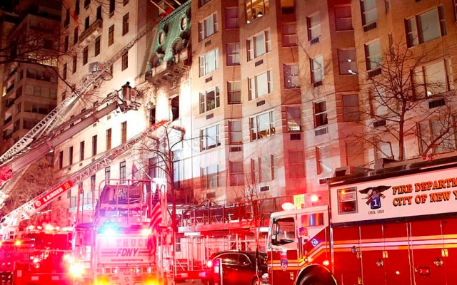 #Video Incendio en mansión de Nueva York - Foto de Reuters
