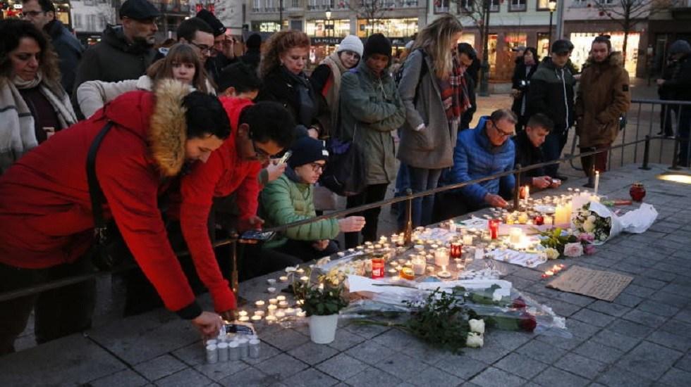 Estados Unidos ofrece ayuda a Francia por atentado en Estrasburgo - Ofrenda a víctimas de atentado terrorista en Estrasburgo. Foto de Internet