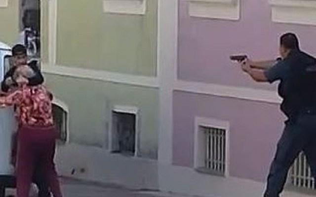 #Video Abaten a ladrón que tomó de rehén a una anciana - Policía de Valencia, Brasil, abate a ladrón de joyería. Captura de pantalla