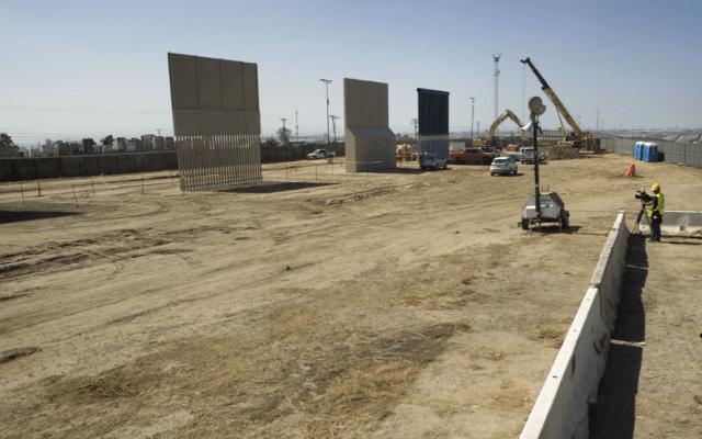 Congreso de EE.UU. acuerda dar fondos para el muro - Prototipos del muro fronterizo de Trump, en San Diego, California. Foto de Internet