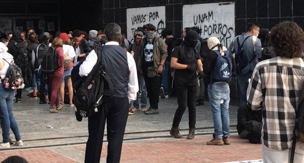 Gobierno capitalino reforzará seguridad en CU tras disturbios - Detienen a dos implicados en disturbios en Rectoría de la UNAM