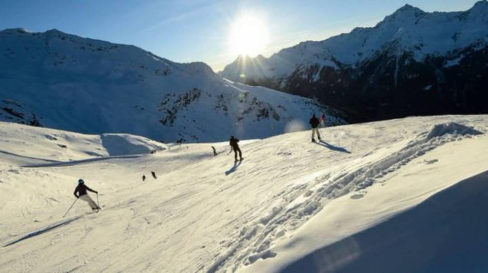 Rescatan a niño enterrado por la nieve durante avalancha en Francia - rescatan a niño de 12 años en avalancha en los alpes