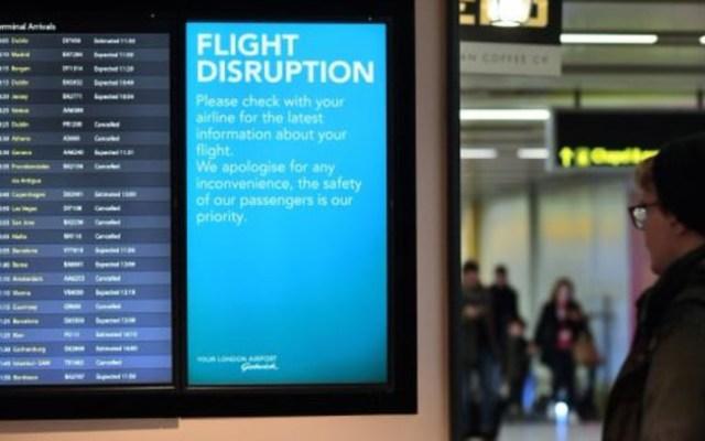 Suspensión de vuelos en Reino Unido afecta a 120 mil personas - afectados suspension de vuelos gatwick