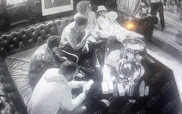 #Video Captan a jugadores del Arsenal consumiendo droga 'hippy crack' - Foto de The Sun