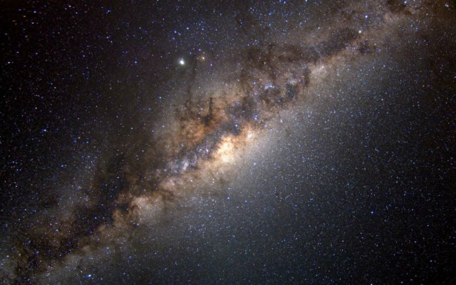 Detectan un exoplaneta en una estrella muy joven y cercana - Vía Láctea. Foto de NASA