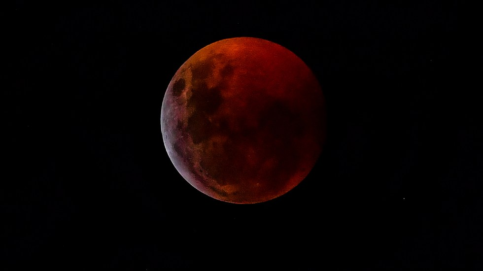 #Fotos Eclipse de luna - Foto de AFP.