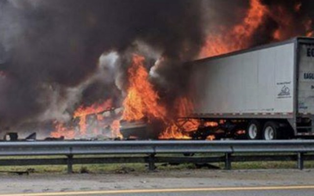 #Video Seis muertos tras accidente carretero en Florida - Foto de Alachua County Fire Rescue