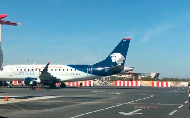 Ingresan camionetas a aeropuerto para agilizar llegada de AMLO a SLP - Foto de Milenio