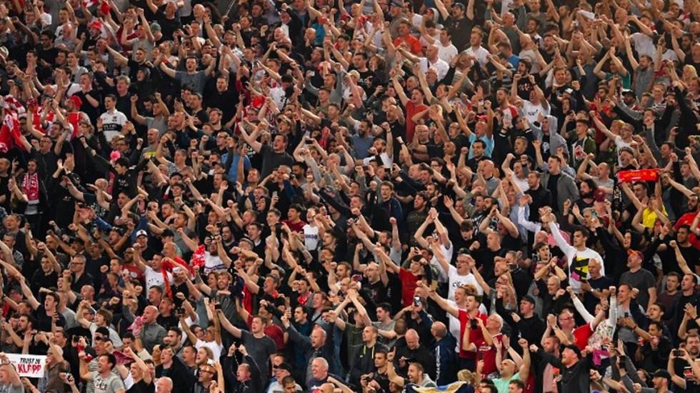Aficionados del Lazio profieren cánticos racistas durante partido - Foto de AFP