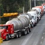 Canacar aumentará distribución de gasolina con autotanques de doble remolque - Foto de Milenio