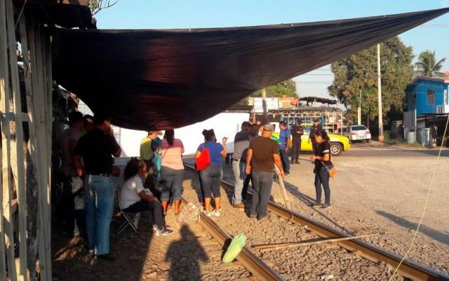 Coparmex y CCE piden a AMLO resolver bloqueo de la CNTE en Michoacán - Foto de Quadratín