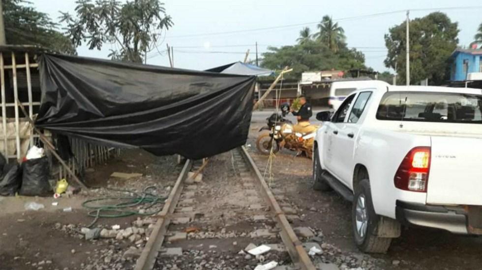 Bloqueos de normalistas en Michoacán frenan 14 trenes - bloqueos michoacán citatorio maestro