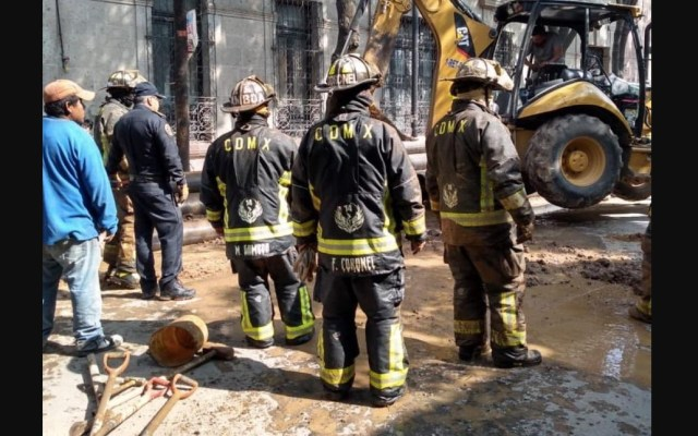 Bomberos atienden incendio y fuga de gas natural en Cuauhtémoc - Foto de Twitter Ismael Figueroa