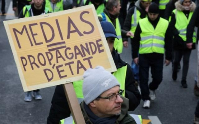 Los chalecos amarillos no creen en los medios tradicionales - Foto de AFP