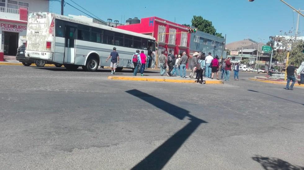 CNTE en Oaxaca continúa con afectaciones en vías de comunicación - Foto de Somos Noticia