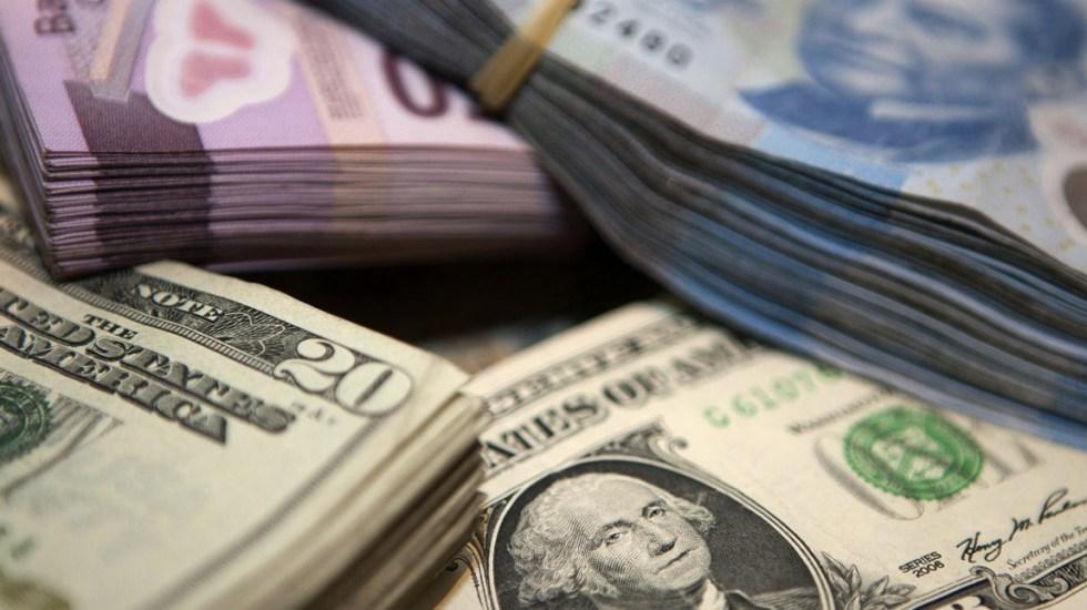 Dólar se vende hasta en 19.69 pesos al cierre - Foto de El Economista