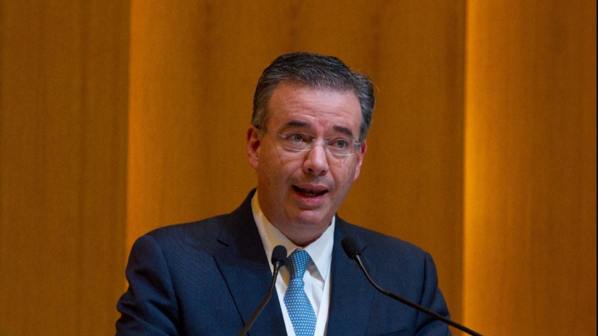 Díaz de leon advirtió de consecuencias por el desabasto de combustible