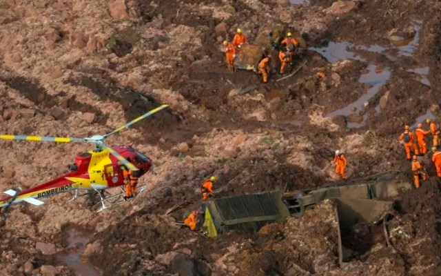 Alertan por riesgo de ruptura de dique minero en Brasil - Foto de Reuters