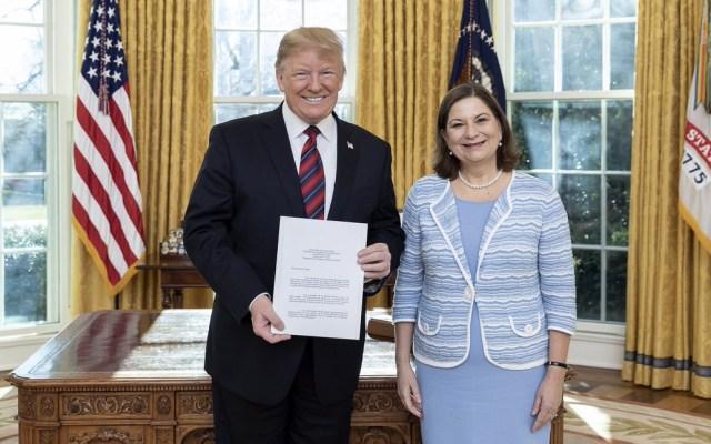 Martha Bárcena presenta Cartas Credenciales a Donald Trump en la Casa Blanca - Foto de @EmbamexEUA