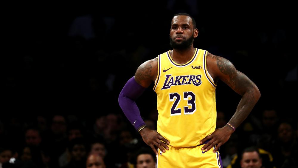 LeBron James se perderá al menos tres partidos más por lesión - Foto de AFP