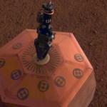 Misión InSight ajusta sismómetro en Marte - sismómetro