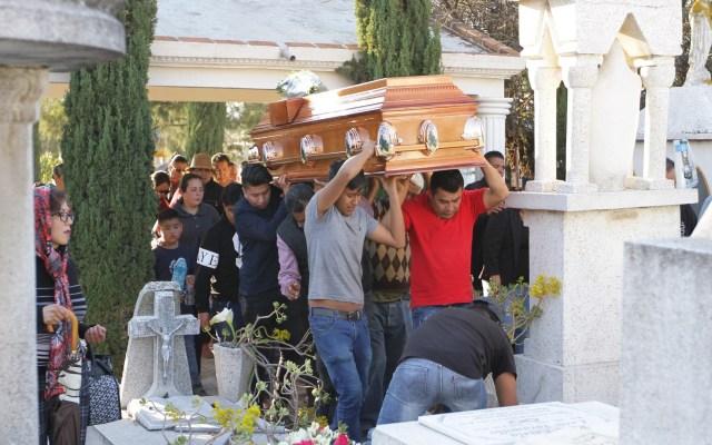 Aumenta a 93 cifra de muertos por explosión de Tlahuelilpan - Sepelio de víctimas de Tlahuelilpan. Foto de Notimex