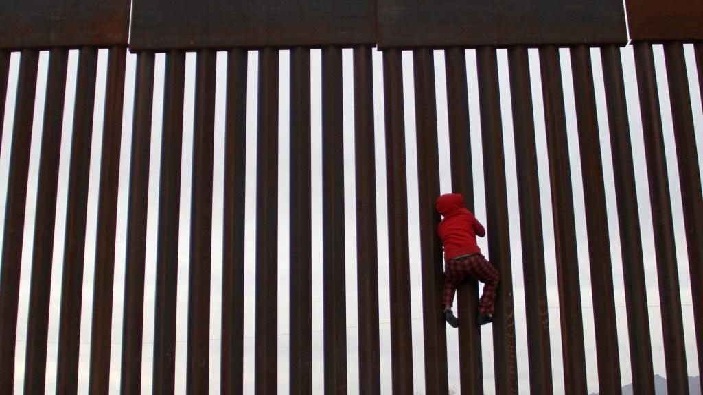 Cierre de frontera México-EE.UU. dañaría confianza mutua: Martha Bárcena - Frontera entre México y Estados Unidos. Foto de AFP / Herika Martinez