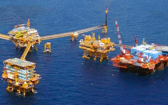 Hacienda completa contratación de coberturas petroleras a 55 dpb - robo de combustible golfo de méxico