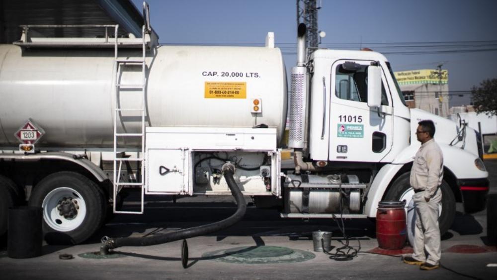Gobierno federal busca normalizar distribución de gasolina. Noticias en tiempo real