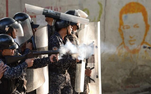 OEA condena represión a venezolanos en manifestaciones - Policía de Venezuela en manifestaciones. Foto de AFP / Federico Parra